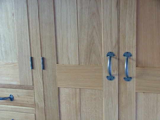Bal5-Bespoke-Oak-Fitted-Wardrobe-Original-Ballinger