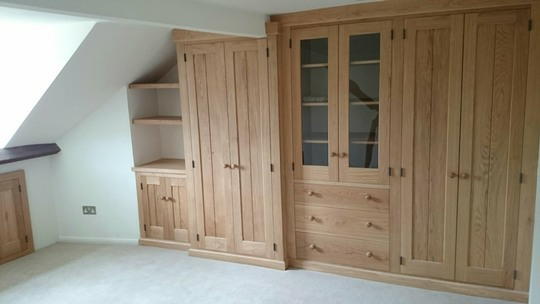 Bal1-Fitted-Wardrobe-Oak-Ballinger-Thame