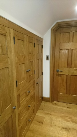Chi1-Fitted-Wardrobe-Oak-Loft-Room-Chinnor