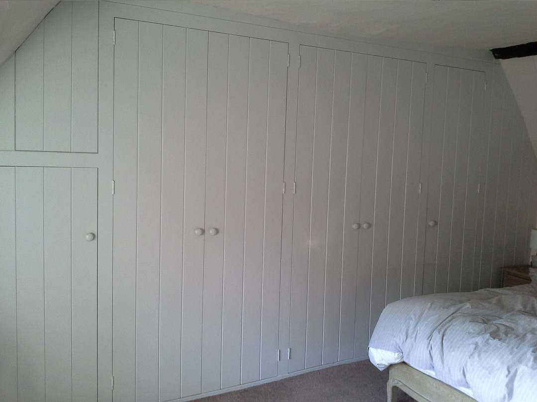 Cla1-Fitted-Wardrobe-To-Uneven-Cottage-Walls