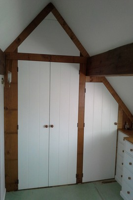 Ick1-Ickford-Fitted-Bedroom-Vaulted-Ceiling