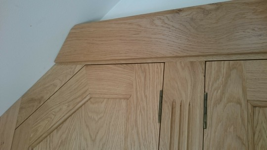 Spe1-Oak-Fitted-Wardrobe-Fluted-Frame-Speen
